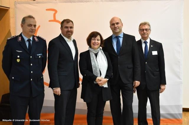 Oberst d.R.  Andreas Gruber, Florian Hahn, MdB, Prof. Gabi Dreo Rodosek und Prof. Andreas Hupfer ,Winfried Gräber Ehrenpräsident IDLw(v. l. n. r.)